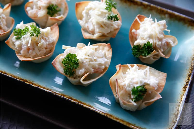 Mini Shrimp & Artichoke Appetizer Cups // Perfect for your game day menu, the perfect bite-zied appetizer great at any party! #appetizer #gameday #snack // Tried and Tasty