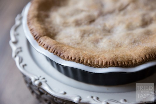 Moms Apple Pie // Apple pie is one of those staples. If you're looking for a fantastic recipe, look no further. This pie was made with heart, soul, and love.   Tried and Tasty