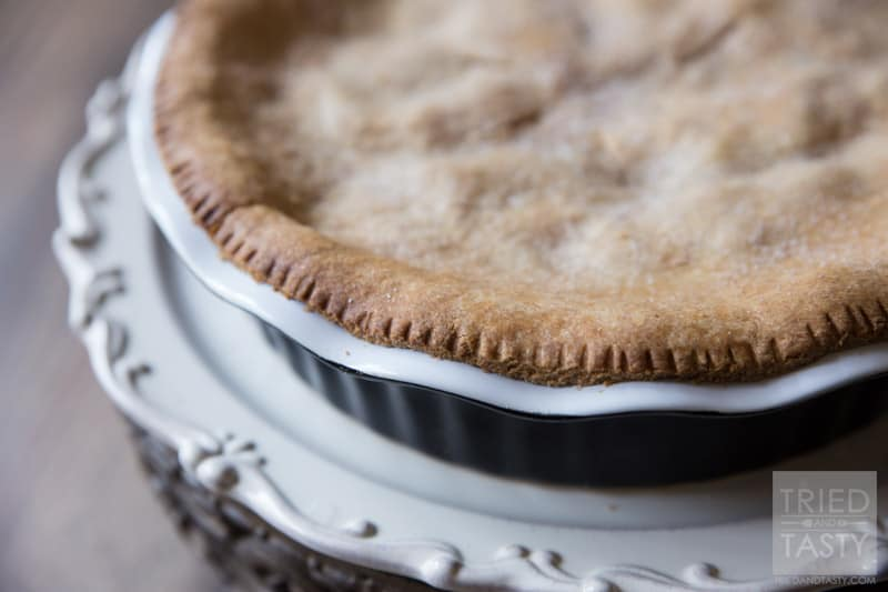 Moms Apple Pie // Apple pie is one of those staples. If you're looking for a fantastic recipe, look no further. My recipe for Mom's Apple Pie was made with heart, soul, and love. Perfect for any holiday!   Tried and Tasty