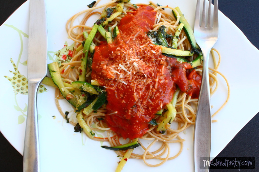 Spaghettini // You will love this healthy vegetarian pasta dish! | Tried and Tasty
