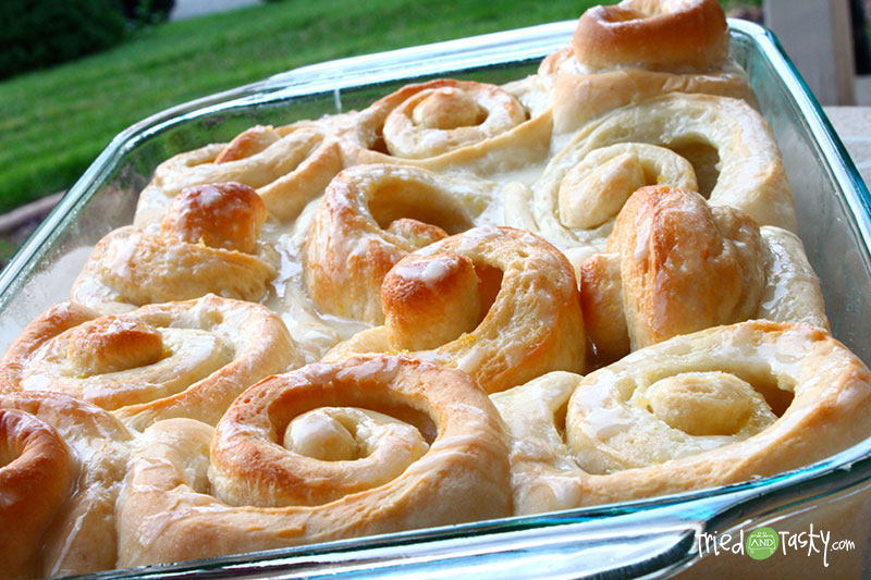 Glazed Lemon Rolls // The tangy taste of lemon gives this roll a fresh, flavorful zing!   Tried and Tasty
