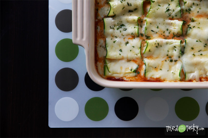 Meatless Cheesy Zucchini Roll-Ups // TriedandTasty