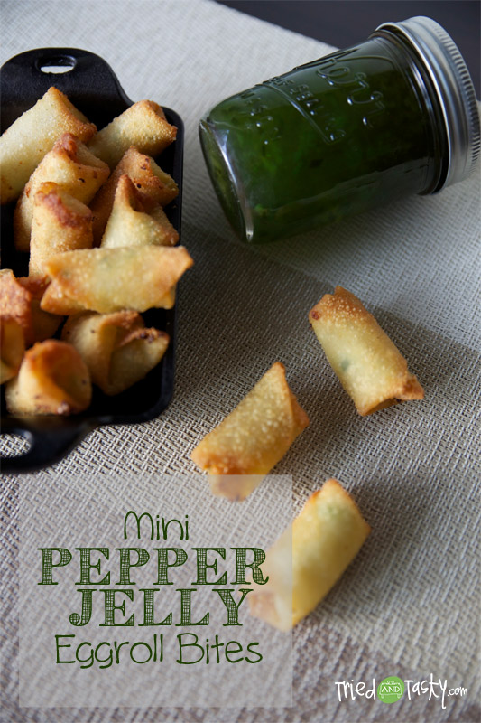 Mini Pepper Jelly Eggroll Bites // This is an easy appetizer idea and a great new way to use pepper jelly! | Tried and Tasty
