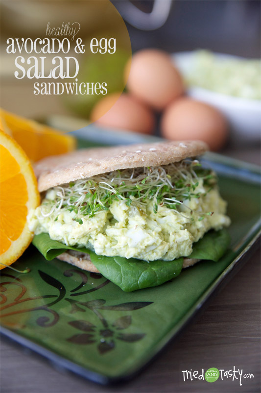 Healthy Avocado & Egg Sandwiches // Not only is this healthy, but it's also FILLING! A nice twist on the classic egg salad! | Tried and Tasty