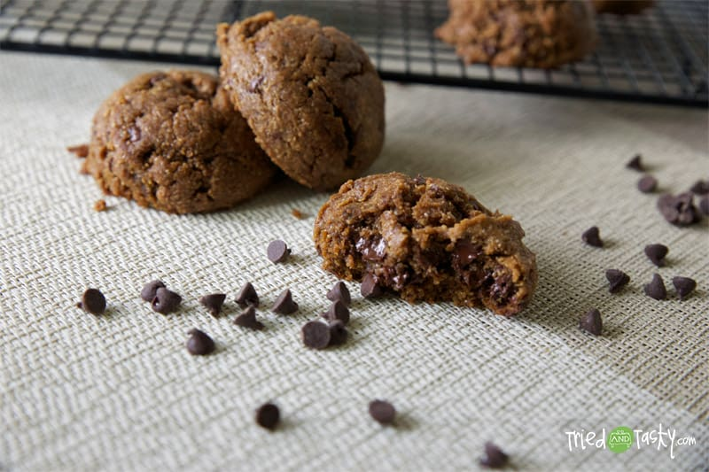 Coconut Oil Chocolate Chip Cookies // Tried and Tasty
