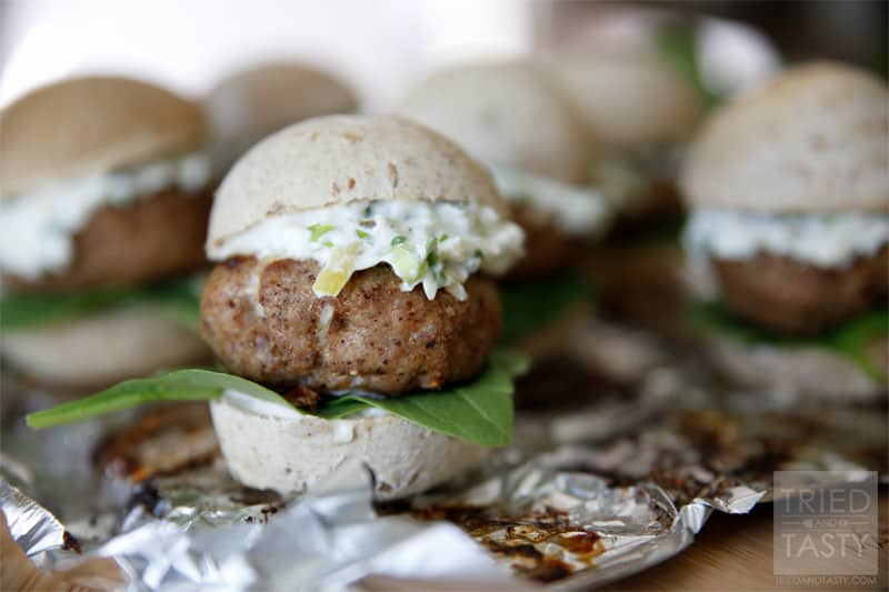 Jalapeno Popper Turkey Burger Sliders // If you love jalapeno poppers, you will love these sliders. With grilling season in full force, add this to the menu to switch things up from your typical cheeseburger and impress your guests. A great new way to enjoy a burger!   Tried and Tasty