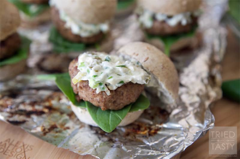 Jalapeno Popper Turkey Burger Sliders // If you love jalapeno poppers, you will love these sliders. With grilling season in full force, add this to the menu to switch things up from your typical cheeseburger and impress your guests. A great new way to enjoy a burger! | Tried and Tasty