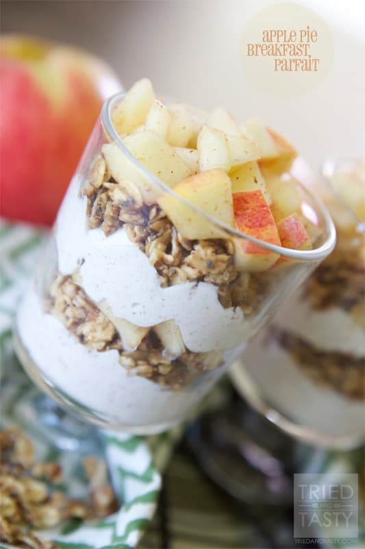Apple Pie Parfait // A perfect healthy fall breakfast idea that's completely guilt free! | Tried and Tasty
