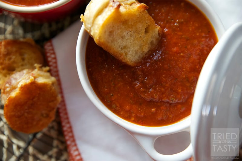 Creamless Tomato Soup // Ever wanted a delicious tomato soup without all the guilt of the cream? This is the perfect recipe for you. A healthy and tasty soup perfect for the cool nights and excellent paired with a grilled cheese sandwich!   Tried and Tasty