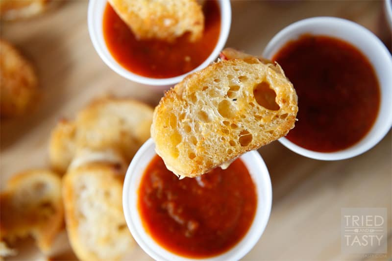 Mini Grilled Cheese Hors d'Oeuvres // These Mini Grilled Cheese Hors d'Oeurves are the perfect party food and will impress all of your guests. Not only are they tasty, they are absolutely adorable! | Tried and Tasty