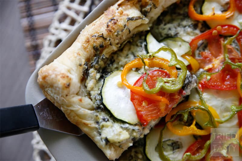 Spinach & Artichoke Veggie Pizza // Tried and Tasty