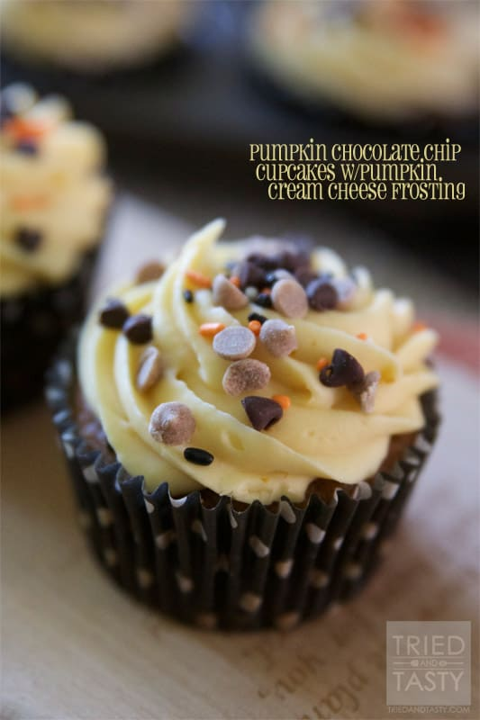 Pumpkin Chocolate Chip Cupcakes w/Pumpkin Cream Cheese Frosting // Tried and Tasty