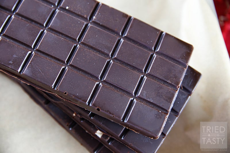 Homemade Dark Chocolate Bars // Forget the store bought chocolate bars, this homemade version is 10x better AND you can pronounce all of the ingredients. Out of this world delicious, these make great gifts! | Tried and Tasty