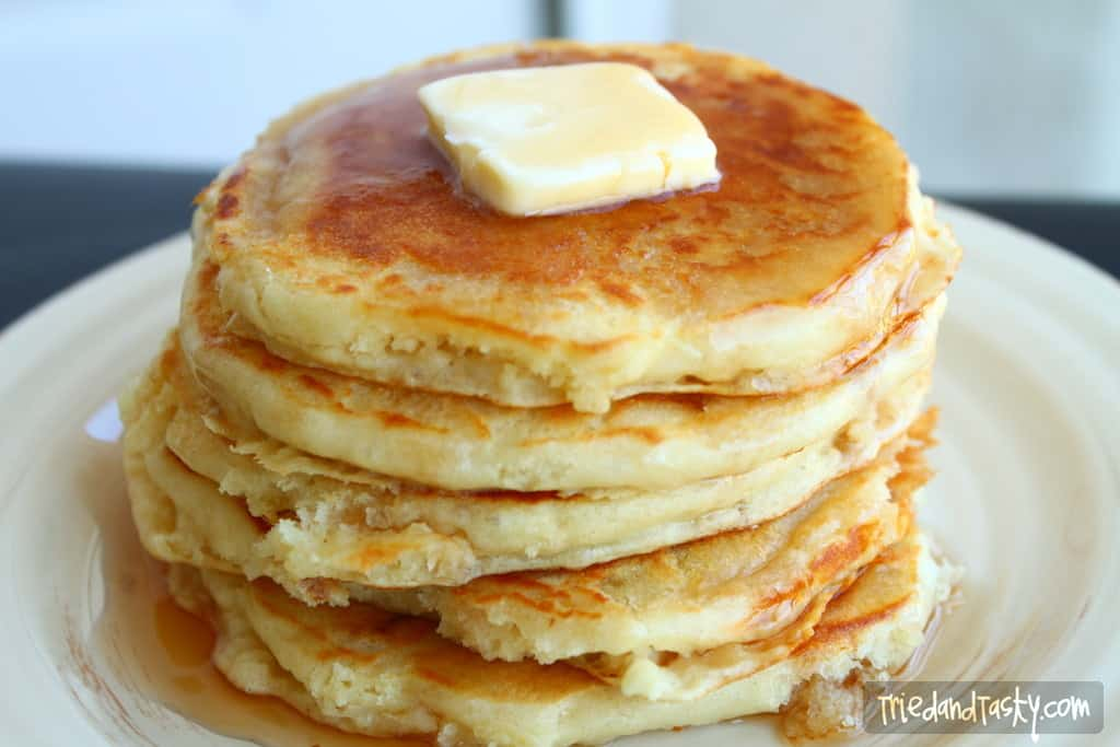 Fluffy Buttermilk Pancakes // Tried and Tasty
