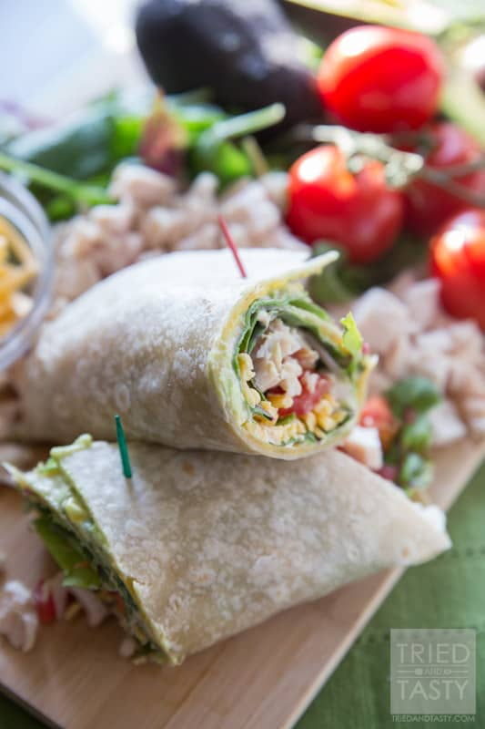 Southwestern Chipotle Chicken Wrap // Do you need easy lunch or dinner ideas that are delicious and healthy? This wrap needs yo be your new GO-TO! It's packed with flavor and ultra healthy! | Tried and Tasty