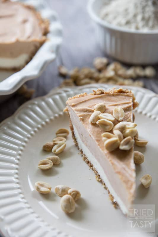 Frozen Peanut Butter & Cream Cheese Pie // Would you believe me if I told you that this decadent dessert is made without a stich of refined sugar? With the secret ingredient of Greek yogurt, you'll be pleasantly surprised by this tasty healthy pie! | Tried and Tasty