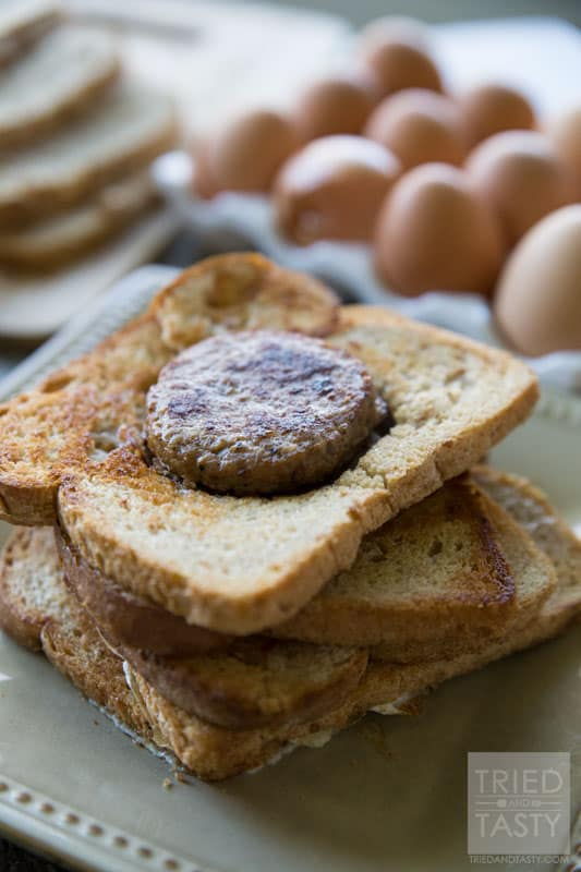 Sausage In A Hole Toast / You've seen egg in a hole, but have you seen sausage in a hole? This toast is the most delicious and easy way to start your morning. With only 5 ingredients you'll have a filling & fun breakfast the whole family will love! | Tried and Tasty