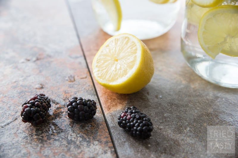 Blackberry Lemon Infused Water // If you haven't yet tried fruit infused water then you are missing out. This Blackberry Lemon Infused Water is more refreshing than I can describe. Plus, it's super simple to put together - you've got to give it a try! Great for the hot summer months, but still delicious any other time of the year. | Tried and Tasty