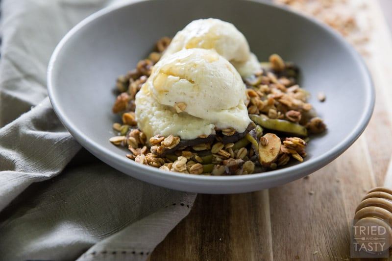 Gluten Free Apple Crisp // Its' nutty. It's crunchy. It's everything you're looking for an a crisp WITHOUT the guilt! This apple crisp is free of refined sugar and made with only healthy and wholesome ingredients. A great comfort food that you'll want during the cool evenings of fall and winter! | Tried and Tasty