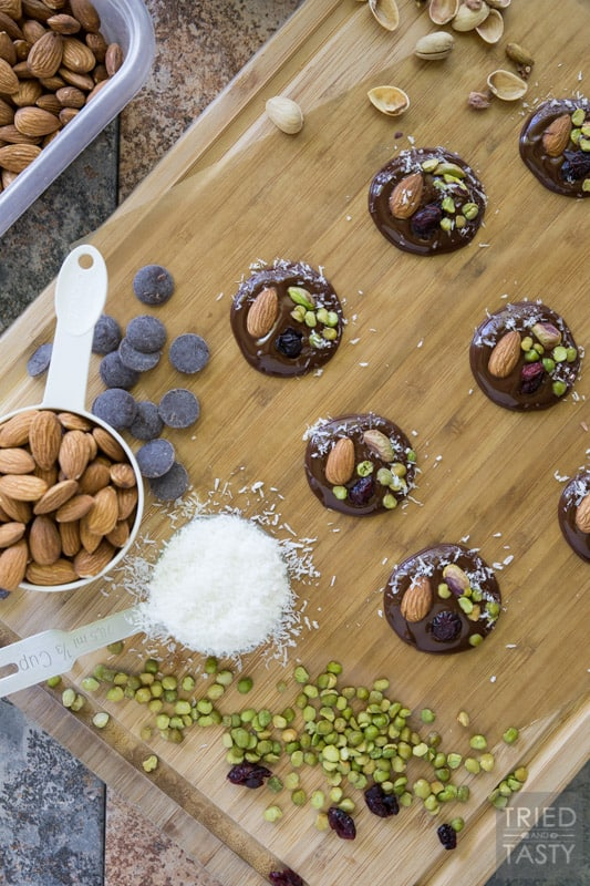 Dark Chocolate Superfood Bites // There's something about snacking on a delicious treat that's also wholesome. These yummy bites only have six ingredients and are loaded with nutrients. From the dark chocolate to the lentils. Yep, lentils! | Tried and Tasty