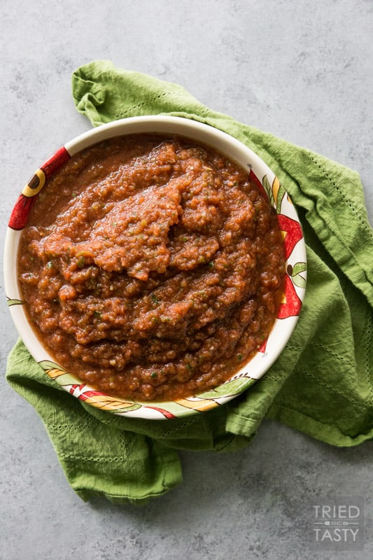 Six-Ingredient Fire Roasted Blender Salsa // Do you love a good salsa? If you've got a blender, then you can have this in less than five minutes! Next time you're at the store pick up everything you need (you probably have most everything on hand already!) and serve this salsa next time you're looking for a great snack! | Tried and Tasty