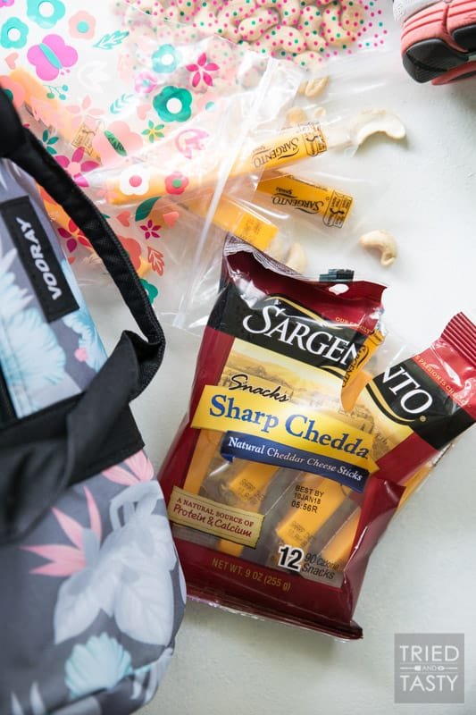 What to pack in your active bag // Being prepared is the #1 key to success. Take a look at what I've got in my active bag to help me reach my goals! | Tried and Tasty
