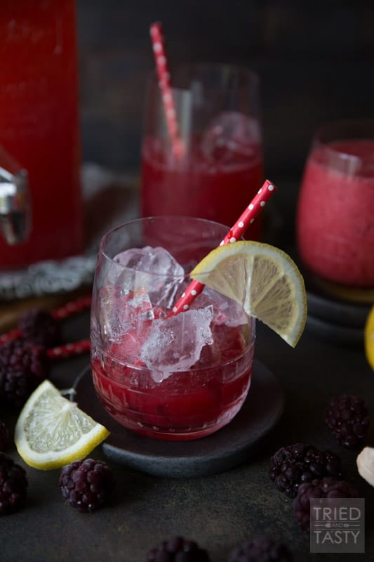 Blackberry Vanilla Lemon Spritzer | This refreshing and delicious blackberry spritzer is fizzy, tart, and sweet all at once! | Tried and Tasty